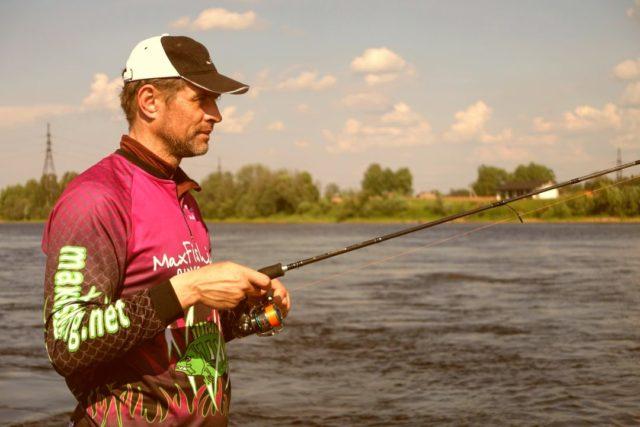 Для ужения на реке с большой глубиной и сильным течением, особенно в период высокой воды, необходим спиннинг тяжёлого класса
