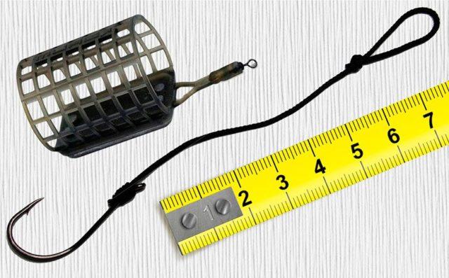 Если клев по-прежнему капризный, можно уменьшить объем кормушки, диаметр поводка