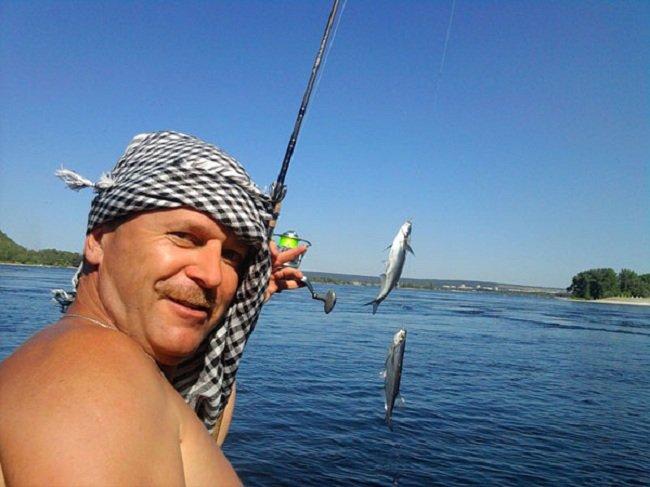 Поймать ее не так-то и просто из-за особенностей поведения этой рыбы